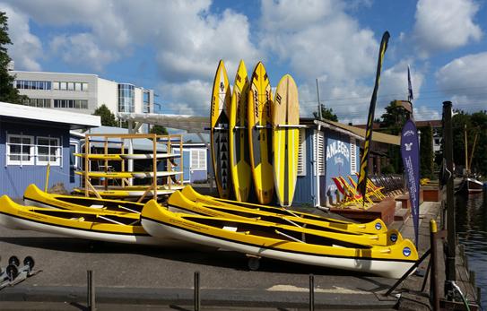 Das Bootsmaterial ist sehr gut gepflegt am Anleger hamburg