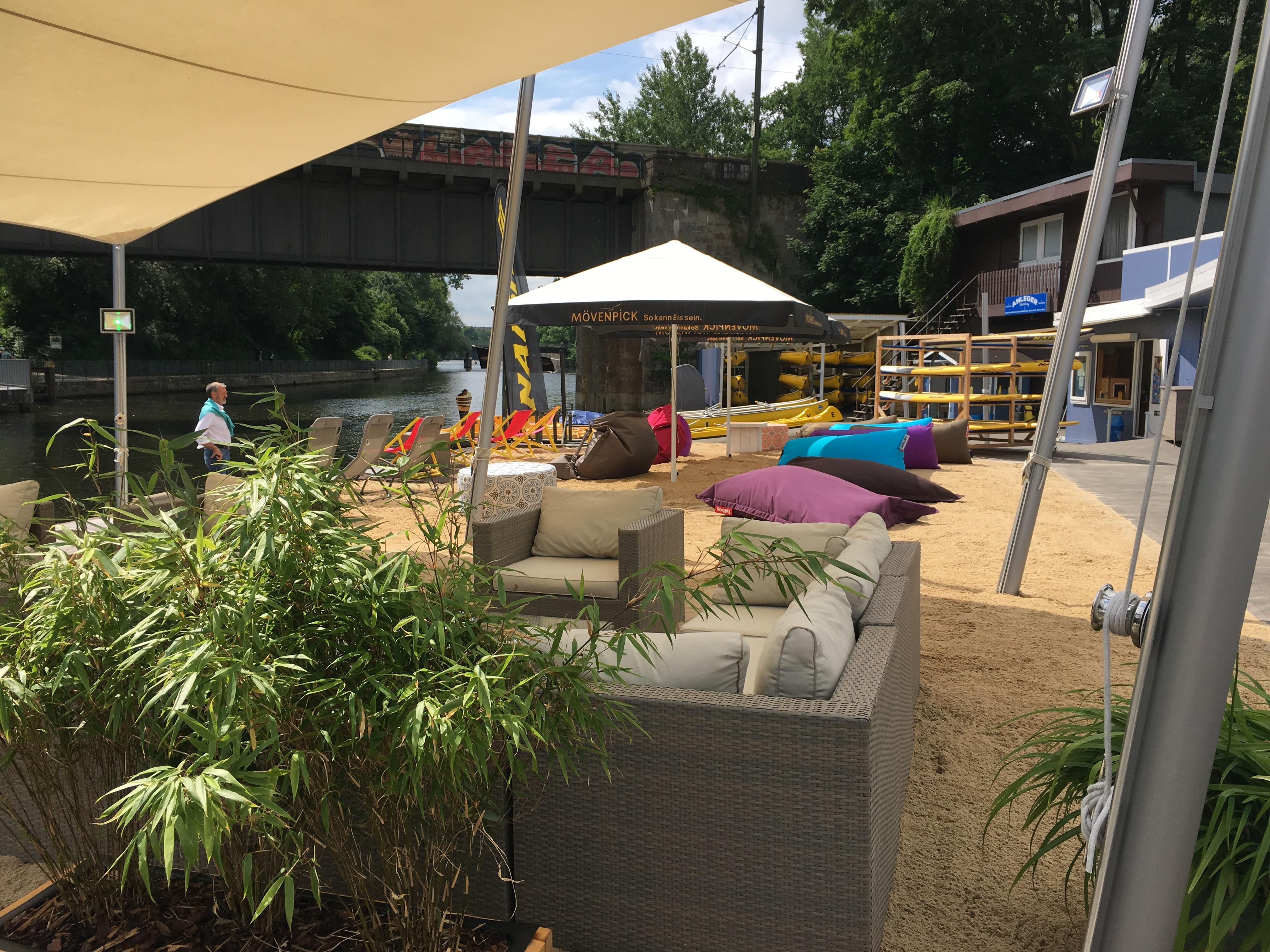 Beach oder Lounge? man kann beides haben am Anleger Hamburg