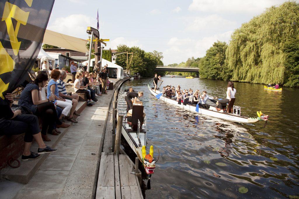 Drachenbootrennen als Firmenveranstaltung mit dem Drachenbootzentrum am Anleger Hamburg